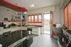 Vendita appartamento ultimo piano in palazzina con giardino – Parella (TO)