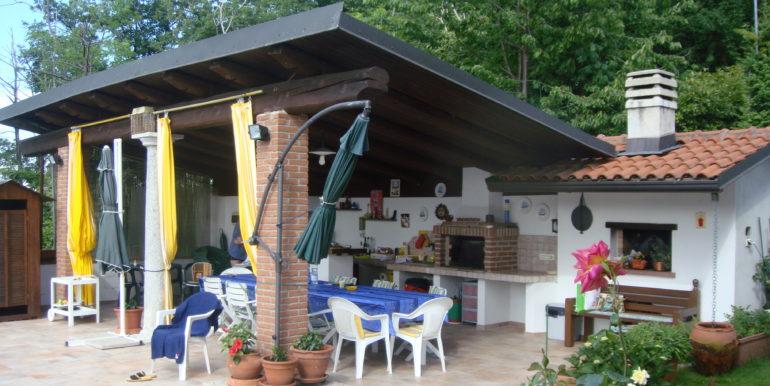 Lounge Bar con forno a legna
