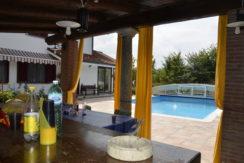 Villa con piscina sulla collina di Torino