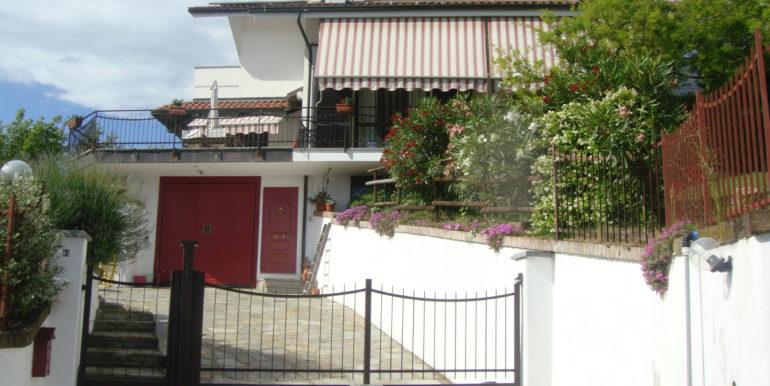 Vista frontale villa