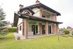 Vendita Villa indipendente su 4 lati con giardino – Barbania (TO)